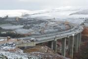 <span style='font-weight:300;'>Nouvelles routes à construire</span><br/>2013, une année pour les bitumes