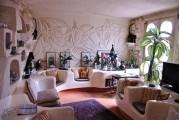 <span style='font-weight:300;'>Village touristique Bouzedjar</span><br/>L'oeuvre d'un promoteur singulier et d'un architecte de renom