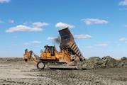 <span style='font-weight:300;'>Bull Dressta </span><br/>TD-40 dans les mines de fer du Kazakhstan