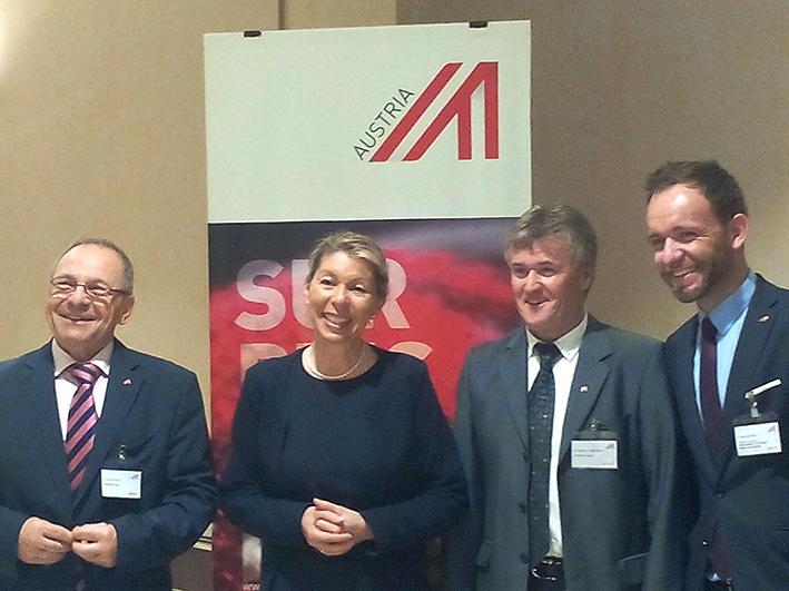 Mme Franziska Honsowitz son excellence l'ambassadrice d'Autriche en Algérie
