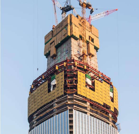 Lotte world Tower Seoul  haute de 555 m, ce « super gratte-ciel » de 123 étages sera le bâtiment le plus haut d'Asie du Sud-Est. Doka fournit les coffrages autogrimpants et les coffrages de voiles pour l'ensemble du noyau et pour les colonnes situées à l'extérieur, appelées « mégacolonnes ». Année de construction 2015, durée du projet, 42 mois Ouvrage,Tours, Architecte Kohn Pederson Fox, pays Corée du sud.