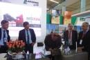 Distribution : Lafarge Algérie signe quatre conventions de franchise bâtistore sur son stand à Batimatec