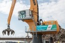 La première machine de manutention Liebherr LH 150 avec moteur électrique dans un port fluvial
