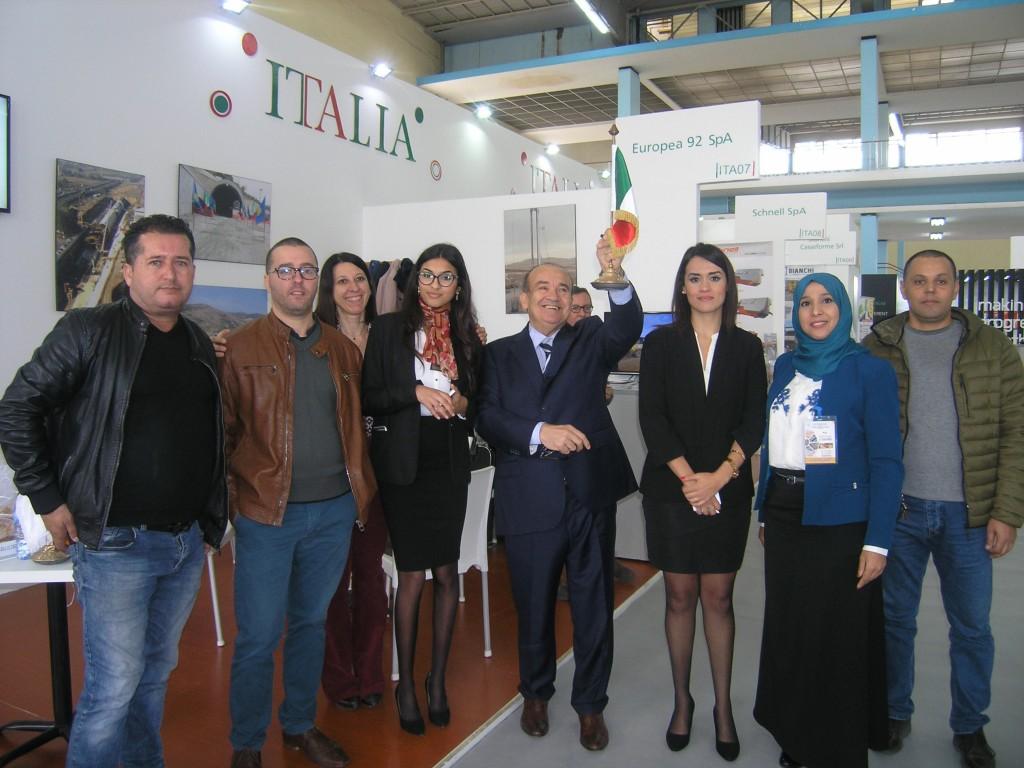 Au centre Marciano Ricci, Pdg de Europea 92SPA, avec son staff italien et algérien  sur SITP 2019